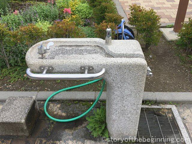 佐久市市民交流ひろばの水飲み場