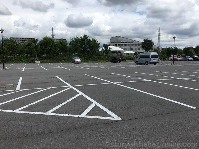 佐久市市民交流ひろばメイン駐車場の様子4