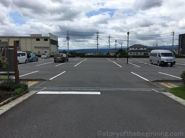 佐久市市民交流ひろばメイン駐車場の様子2