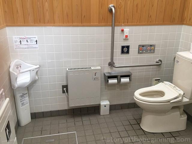 佐久市市民交流ひろばのバリアフリートイレ