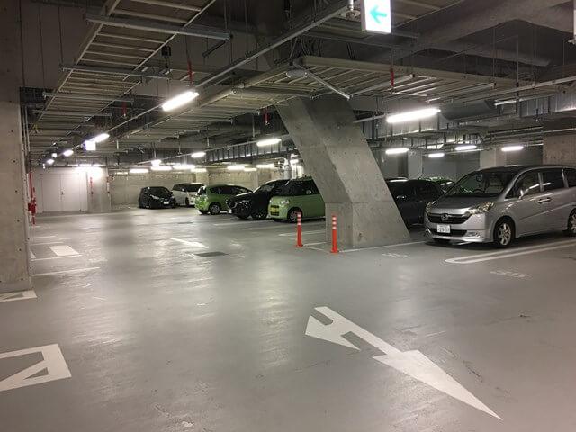 シリウス地下駐車場